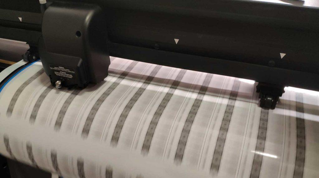 Naklejki plotowane piaseczno warszawa druk lateksowy ploter wycinanie